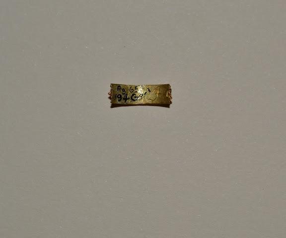Gold Finger ring, reverse