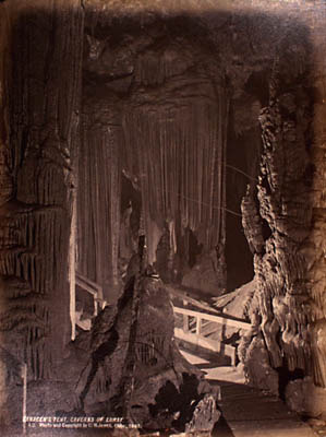 Luray Caverns Corporation. Electric Light Views in the Caverns of Luray. Saracen's Tent