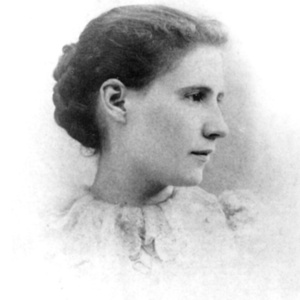 Elinor Miriam White, 1895