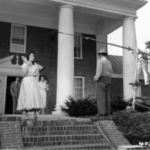 Elizabeth Taylor on set of Giant in Albemarle County